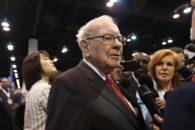 Warren Buffett kauft massiv Aktien einer speziellen Bank