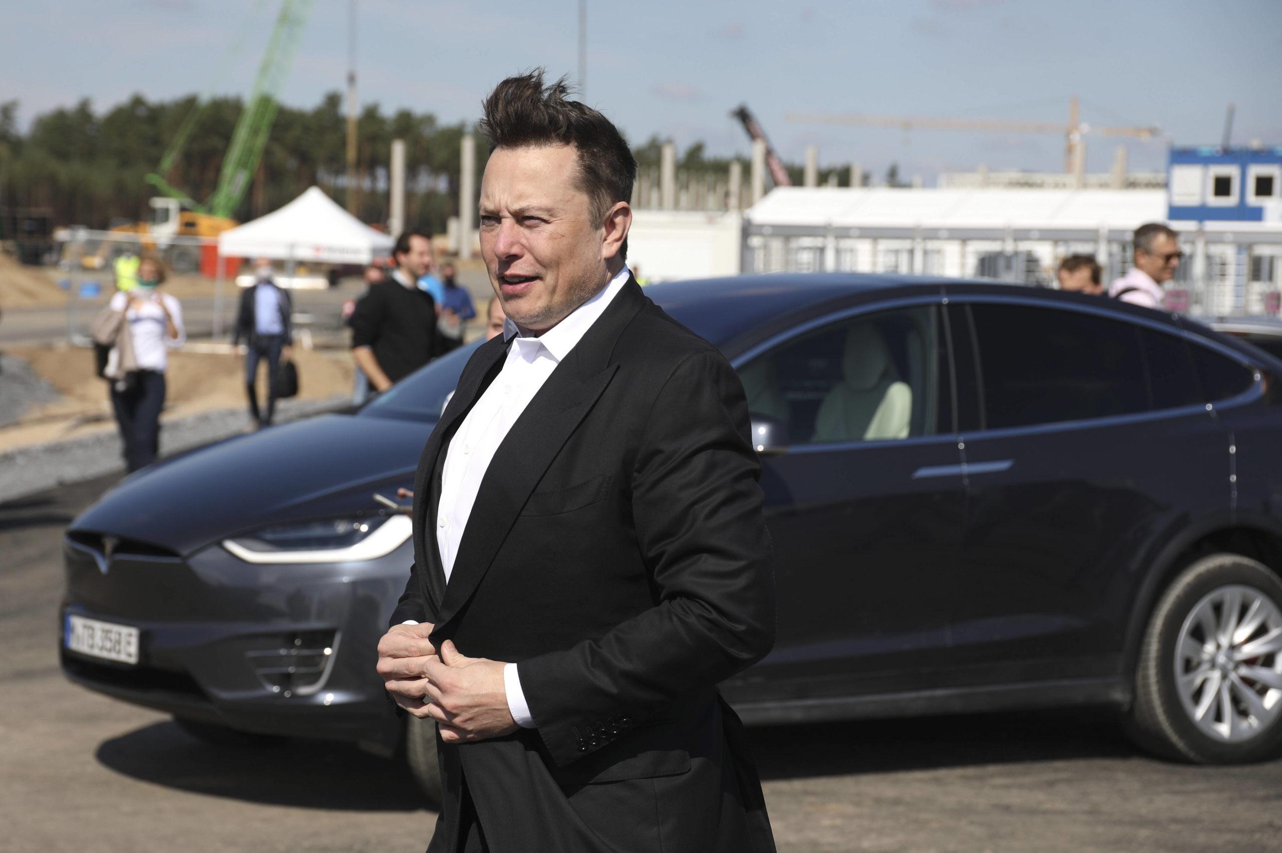 Elon Musk besucht erstmals seine Gigafactory bei Berlin