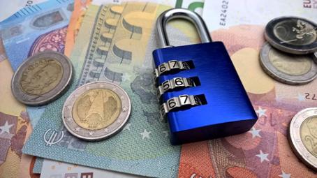 Währungsschwankungen vermeiden! Das steckt hinter Currency Hedging